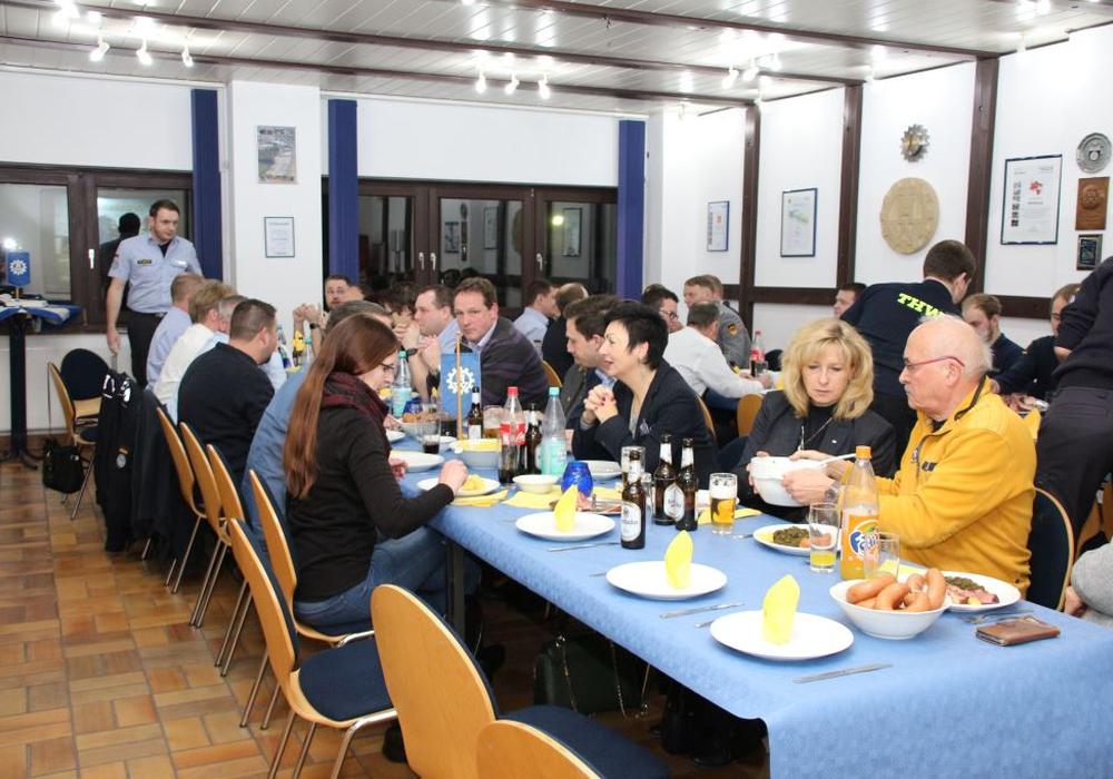 Das Grünkohl-Essen ist schon Tradition beim THW Wolfsburg. Foto: THW