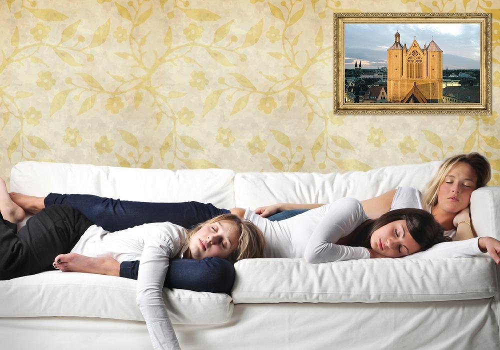 """Falls die Couch für den Übernachtungsbesuch zu klein ist, können Braunschweigerinnen und Braunschweiger mit der Aktion """"Hotelsommer"""" vom 17. Juni bis 4. September 2016 ihre Gäste vergünstigt unterbringen. Foto: Steffen und Bach GmbH / fotolia.com"""