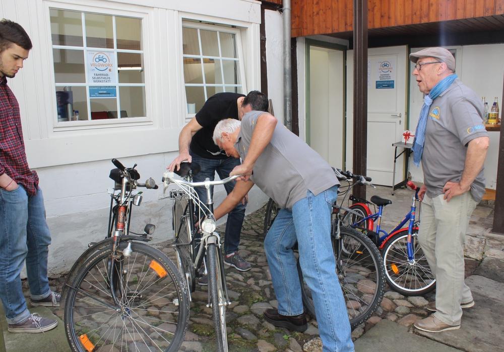 Die neue Fahrrad-Werkstatt lud zum Tag der offenen Tür ein. Foto: Anke Donner