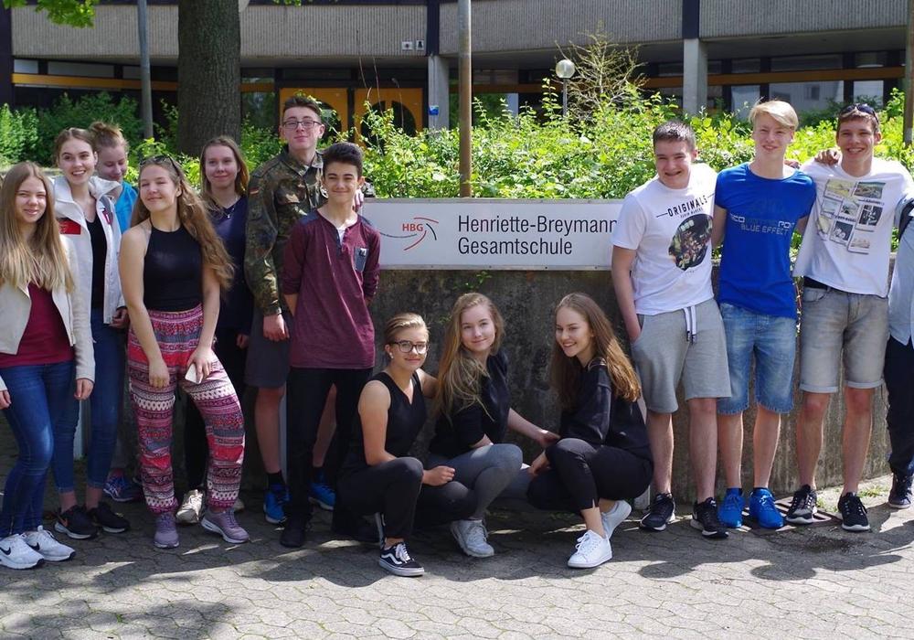 Ein Teil der Gruppe beim Abschiedsfoto. Fotos: Henriette-Breymann-Gesamtschule