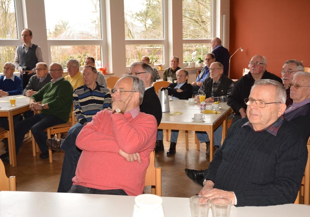 Das Publikum lauschte interessiert den Ausführungen der Referentin Frauke Jacobs. Fotos (2): Privat