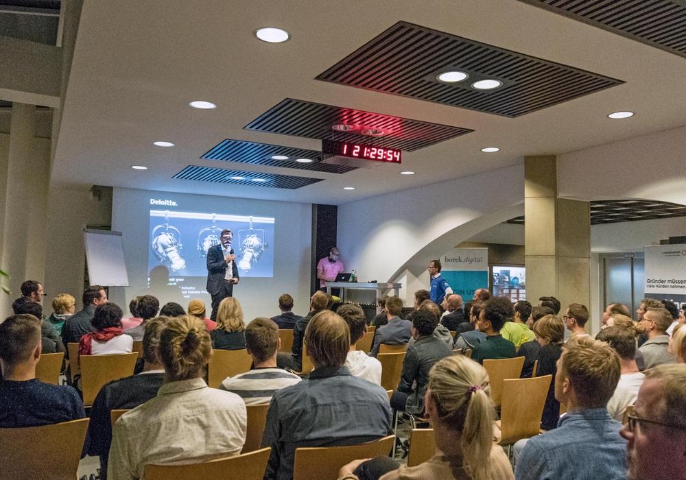 Das 1. Braunschweiger Startup-Weekend in der Zentrale der Richard Borek Unternehmensgruppe lockte viele Gründungswillige aus der Region und darüber hinaus an. Foto: borek.digital