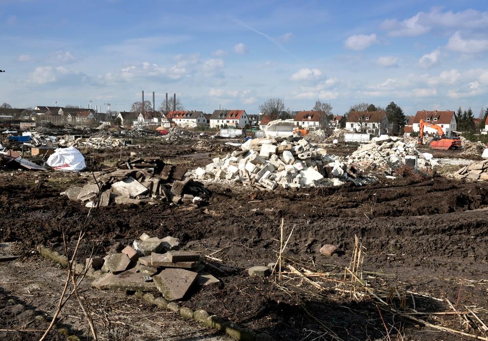 Stadtquartier Hellwinkel. Areal für den ersten Bauabschnitt. Auf dem Gelände beginnt jetzt die Einrichtung der Baustelle. Foto: Lars Landmann