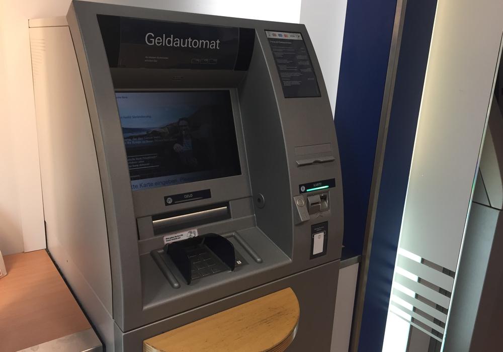 In Braunschweig und Wolfenbüttel gibt es keine Probleme mit manipulierten Geldautomaten. Dazu wird vermehrt Aufklärung betrieben. Foto: Anke Donner