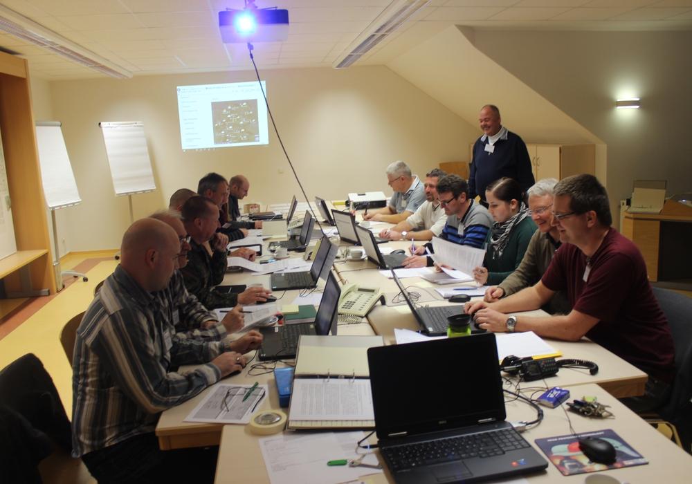 In der Feuerwehrtechnischen Zentrale Schladen findet von Freitag bis Samstag eine Übung des  Katastrophenschutzstabs des Landkreises Wolfenbüttel statt.