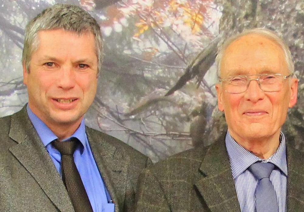 Bürgermeister Lutz Peters (links) und Dr. Uwe Wegener (rechts). Foto: Nationalpark Harz/Mandy Gebara