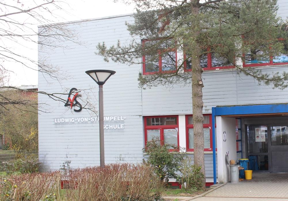 Die Ludwig-Strümpell-Schule in Schöppenstedt könnte bald verkauft werden. Die Samtzgemeinde Elm-Asse hat Interesse an der Immobilie. Foto: Jan Borner