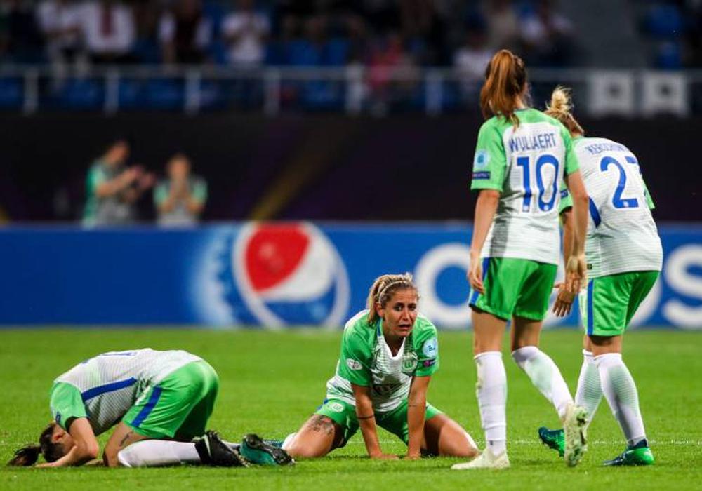 Die Enttäuschung nach der Finalniederlage war beim VfL Wolfsburg groß. Foto: Imago/GEPA pictures