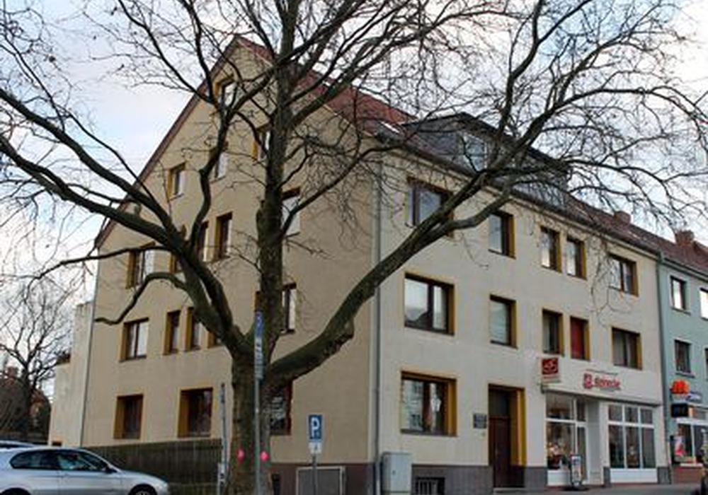 Auch diese Platane am Südertor-Parkplatz wird gefällt. Foto: Stadt Helmstedt