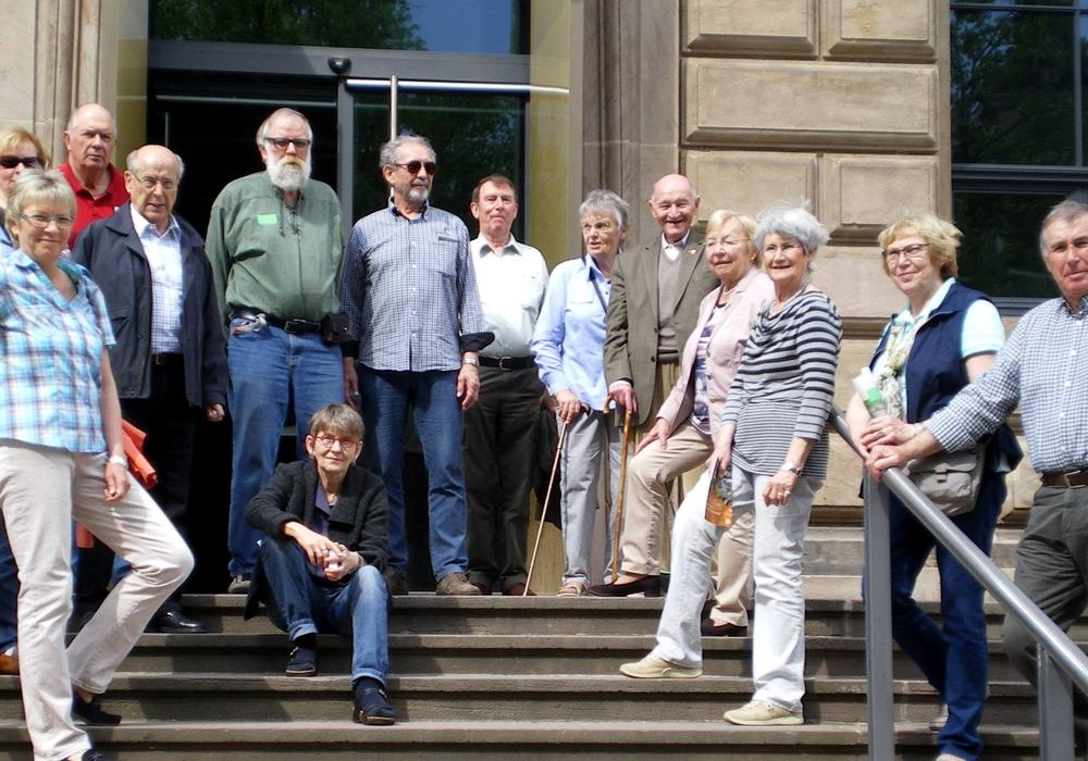 Die Besucher vor dem Herzog Anton Ulrich-Museum. Foto: Bernd-Uwe Meyer