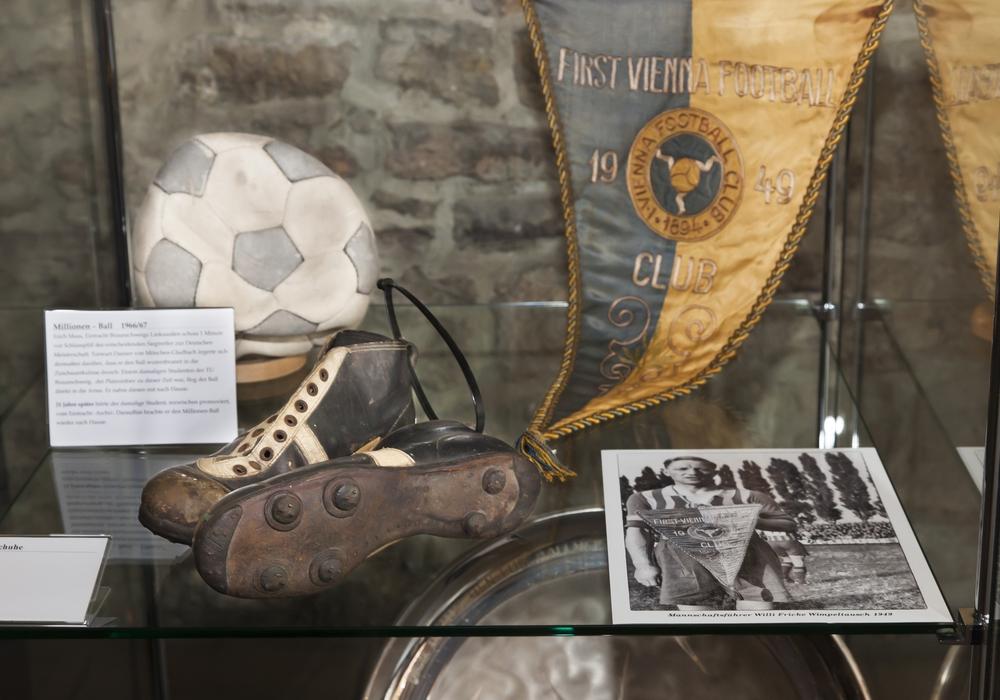 Im Altstadtrathaus gibt es für Eintrachtfans einiges zu entdecken. Foto: Städtisches Museum Braunschweig / Dirk Scherer