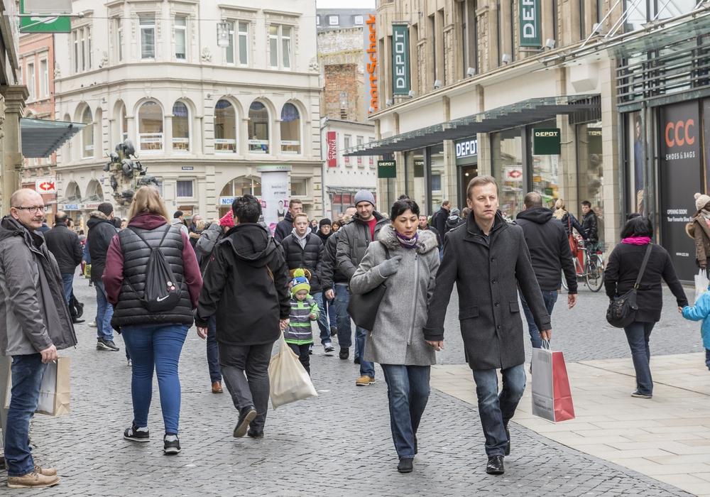 Die attraktive Braunschweiger Innenstadt lädt Gäste und Einheimische zum Einkaufen und Verweilen ein. Foto: Braunschweig Stadtmarketing GmbH / Frank Sperling