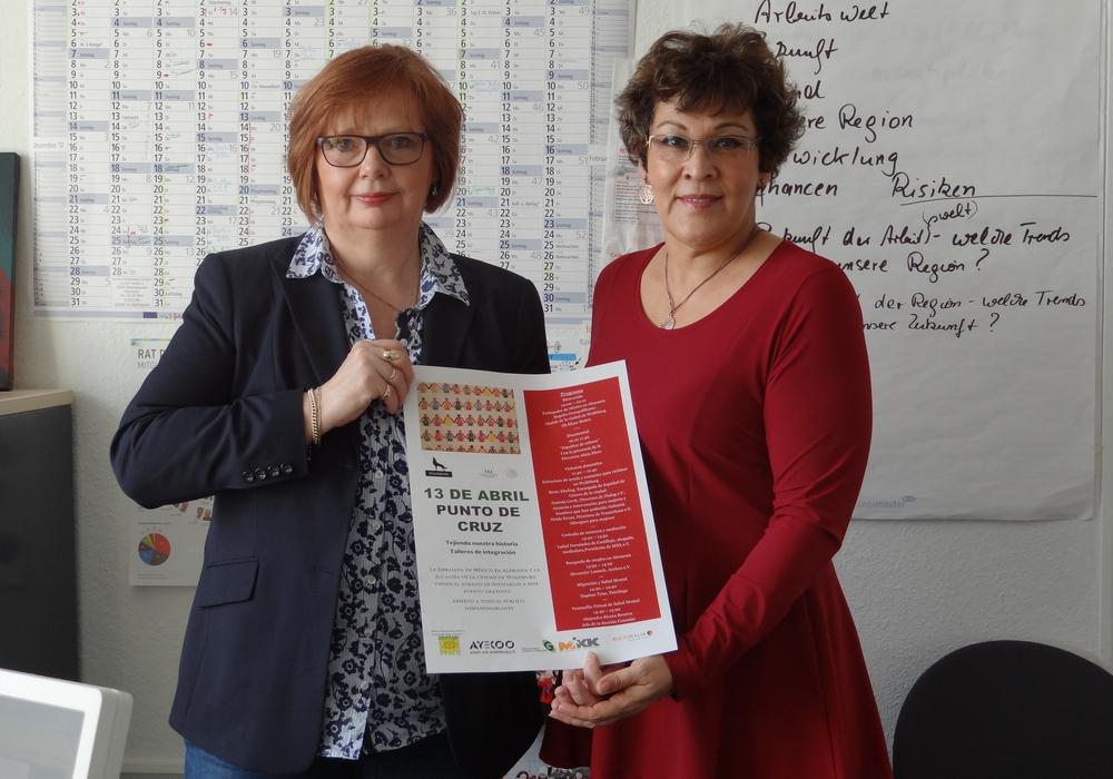 Beate Ebeling, Gleichstellungsbeauftragte Stadt Wolfsburg, und Alia Lira Hartmann, Mex.-Dt. Gesellschaft e.V. WOB. Foto: Stadt Wolfsburg