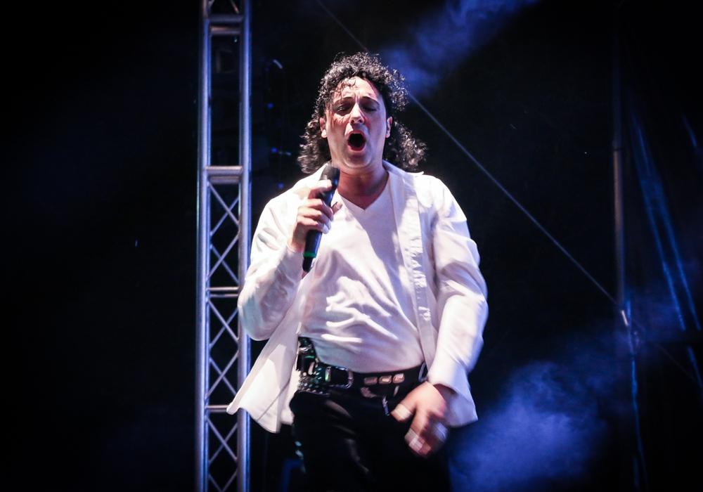 Giuseppe Ruisi als Michael Jackson. Mit seiner Double-Show begeisterte er das Publikum. Fotos: Werner Heise Galerie: Alexander Dontscheff/Werner Heise