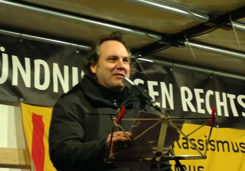 """""""Bündnis gegen Rechts""""-Sprecher David Janzen. Foto: Sina Rühland"""