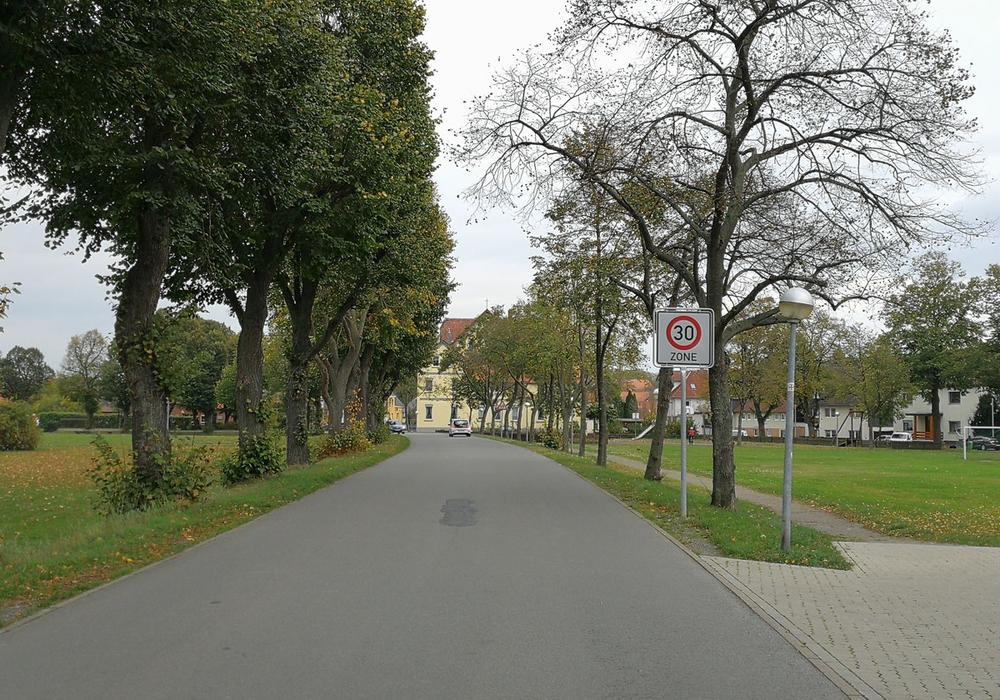 Neue Tempo-30-Zone in Wiedelah, Amtstraße. Fotos: Stadt Goslar