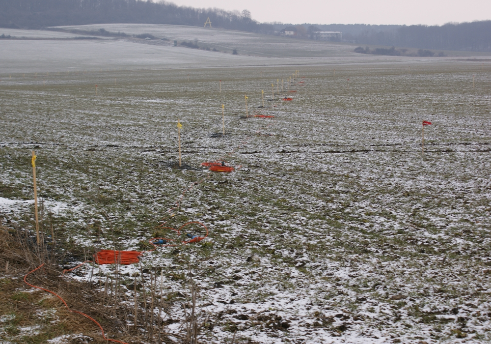 Einige Bauern wehren sich gegen 3D-seismische Messungen. Foto: Anke Donner