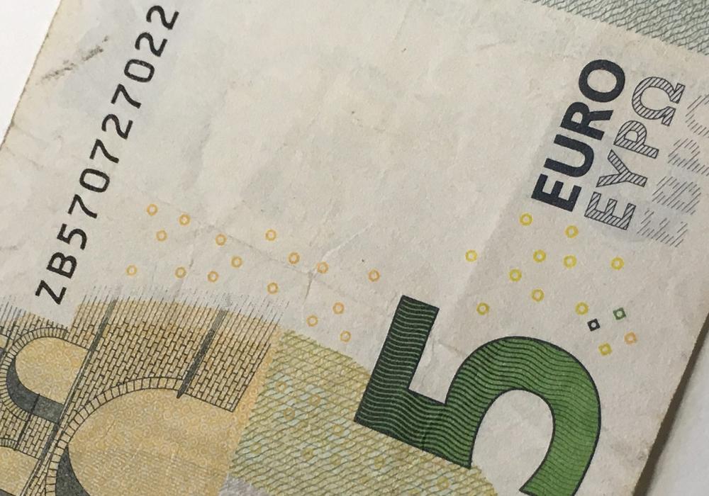 Gastronomen werden nach Angaben der Verwaltung durch die Erhöhung fünf Euro mehr im Monat zahlen müssen. Foto: Frederick Becker