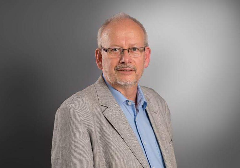 Erich Schubert und die SPD gedenken Otto Wels. Foto: SPD Wolfsburg