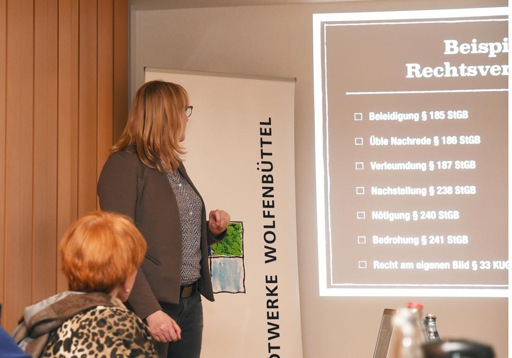 Die Unternehmerfrauen informierten sich zum Thema Cybermobbing. Foto: Privat