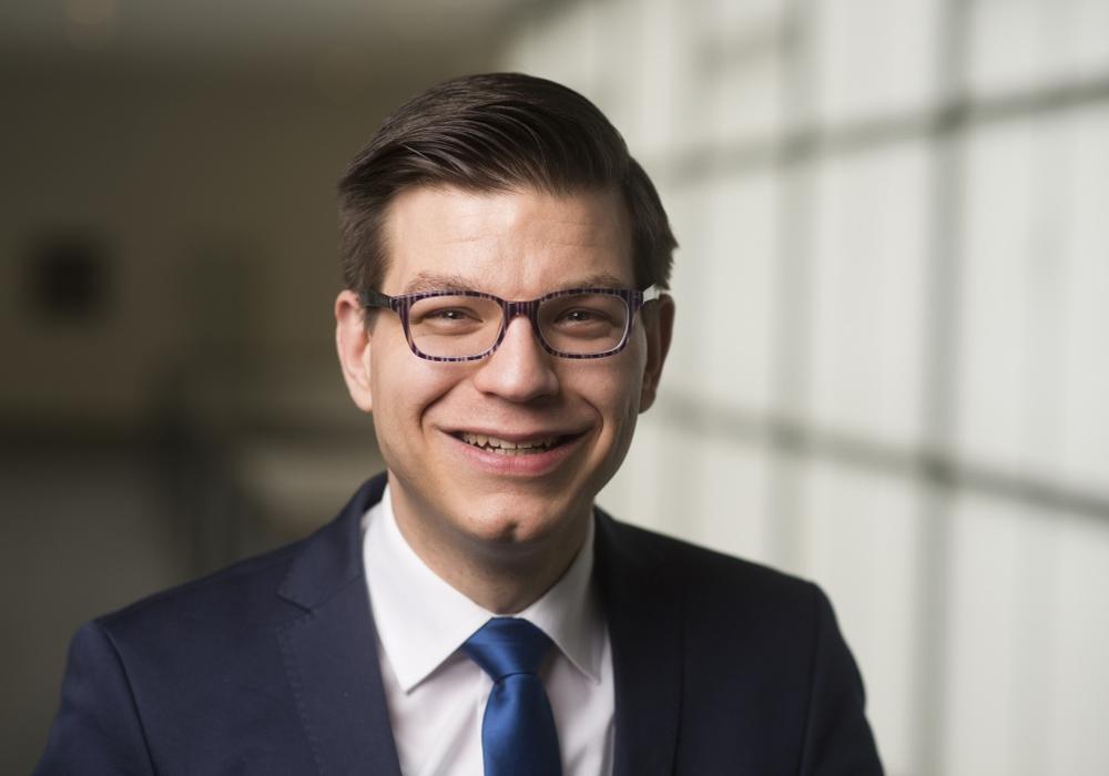 FDP-Bildungspolitiker Björn Försterling äußert sich zu den Ergebnissen einer Online-Befragung von Lehrkräften. Foto: Nigel Treblin
