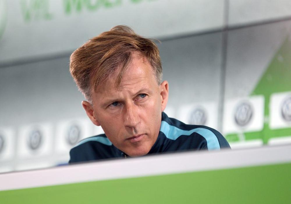 Hat sich etwas einfallen lassen: VfL-Cheftrainer Andries Jonker. Foto: Agentur Hübner