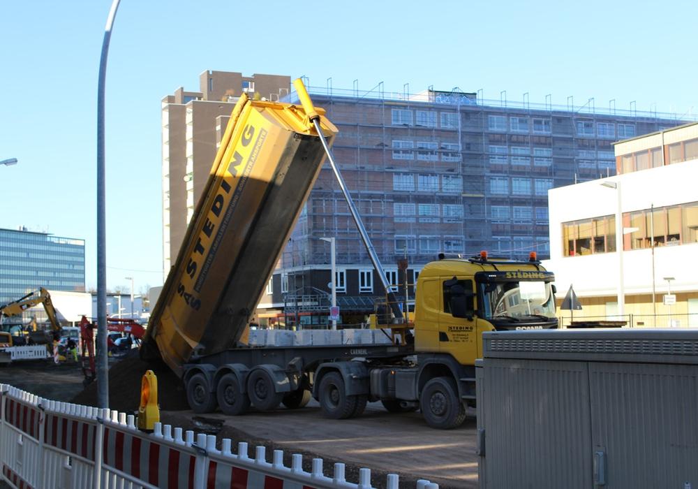 Bisher werden Anwohner für Straßenbaumaßnahmen vor der eigenen Haustür zur Kasse gebeten. Symbolfoto: Alexander Panknin