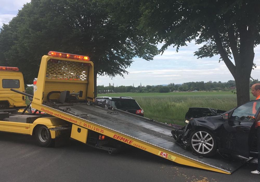 Nachdem die Strecke gesäubert wurde und die Unfallfahrzeuge abgeschleppt werden konnten, wurde die Strecke wieder freigegeben. Fotos: Antonia Henker