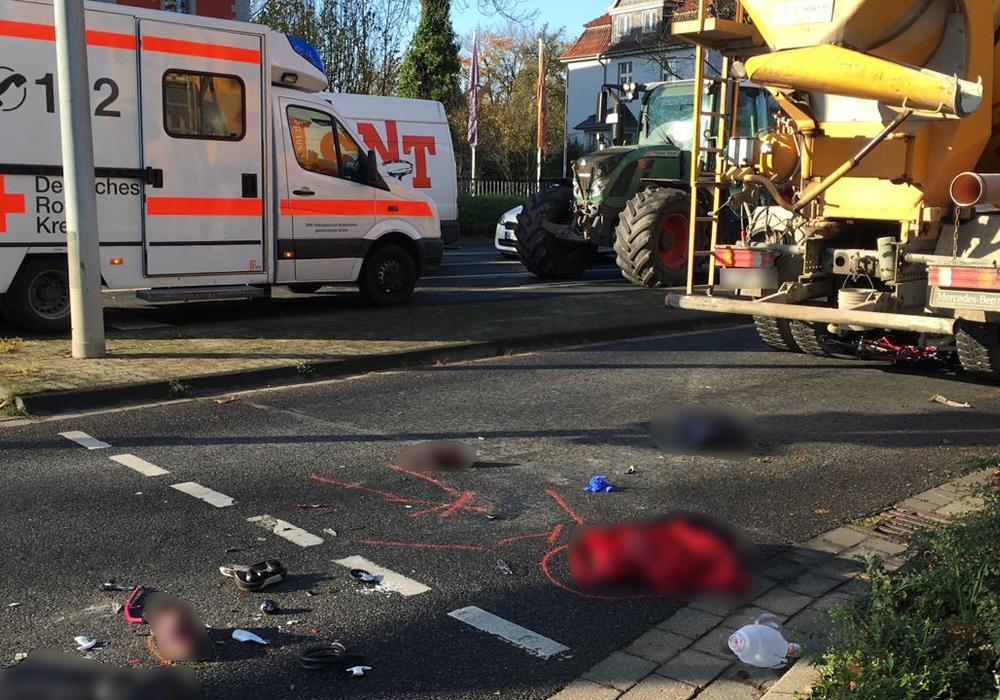 Der Betonmischer übersah beim Rechtsabbiegen den Fahrradfahrer. Foto/Video: Nick Wenkel