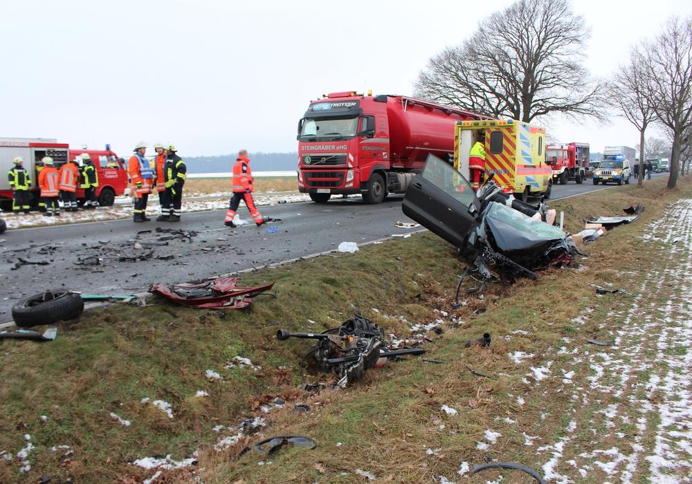 In der Nähe von Jembke kam es zu einem schweren Unfall. Foto: Christoph Böttcher