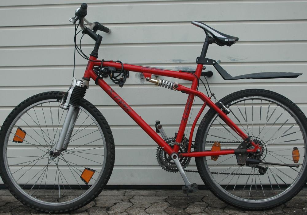 Dieses geklaute Fahrrad fand die Polizei. Nun sucht sie den Besitzer. Foto: Polizei