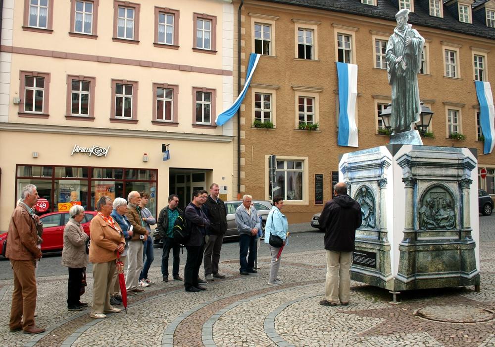 Auf dem Foto: Da das Original renoviert wir, konnte nur eine Kopie von Luthers Denkmal besichtigt werden. Foto: privat