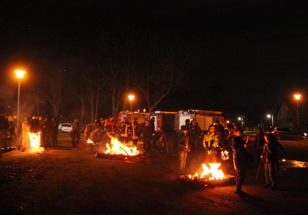 In Ahlum wurde der 50. Geburtstag der Jugendfeuerwehr gefeiert. Fotos: Anke Donner