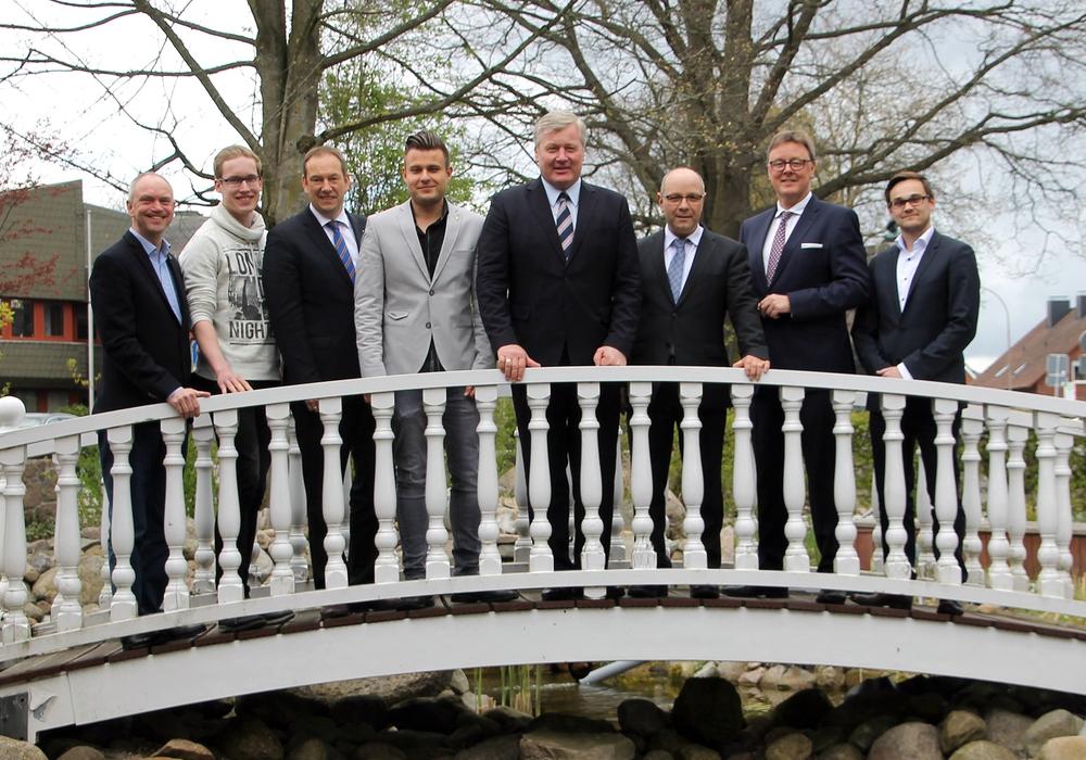 Jan Sibbersen, Manuel Schwonberg, Henning Otte MdB, Christoph-Michael Molnar, Dr. Bernd Althusmann, Peter Kassel, Michael Grosse-Brömer MdB, Dennis Leipelt. Foto: CDU