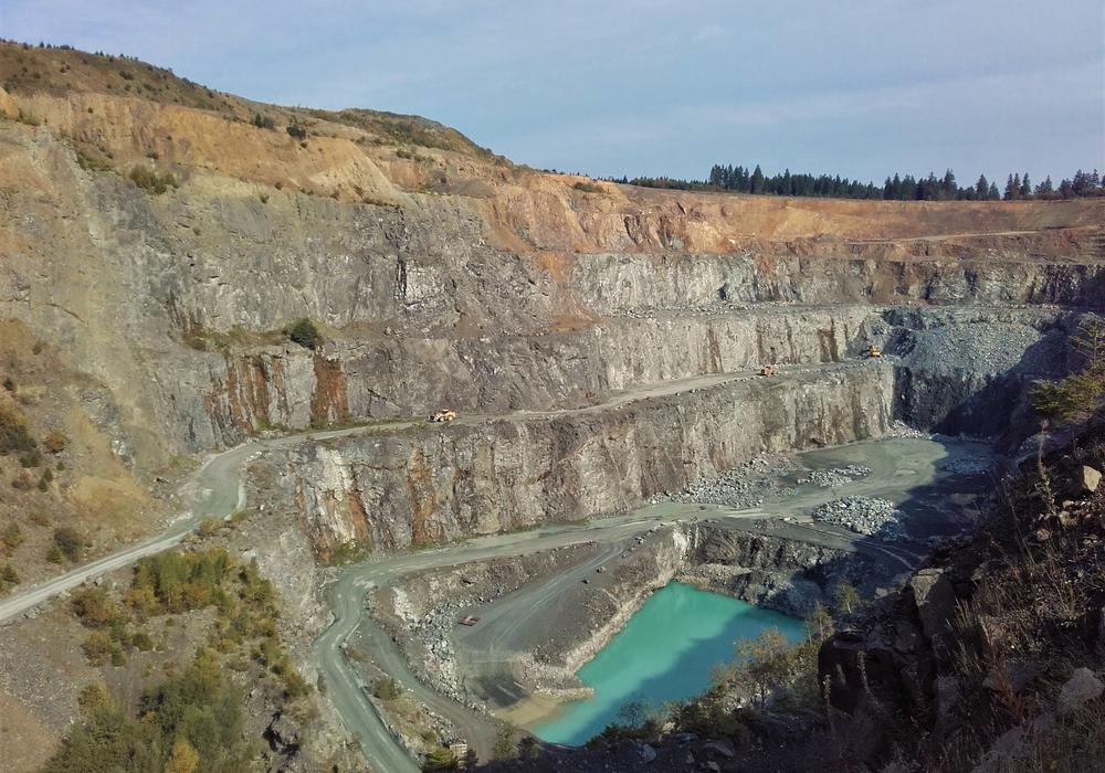 Der Diabas-Steinbruchs Huneberg soll erweitert werden - BUND und NABU haben Bedenken. Foto: Thomas Binder