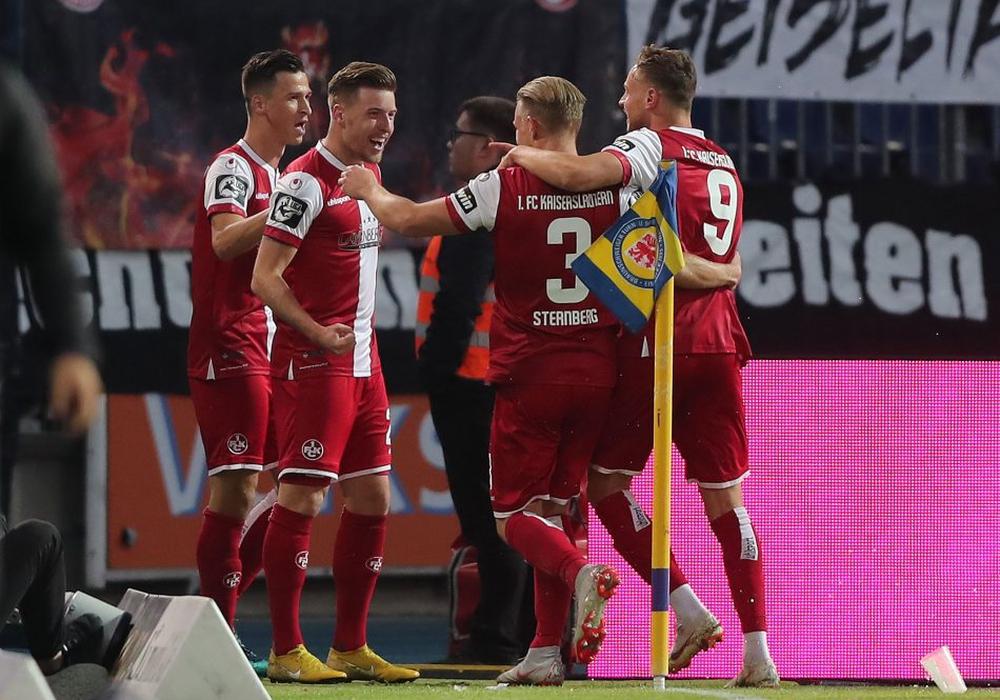 Wieder jubeln die Gäste: Kaiserslautern zeigte sich effizient und schlug Eintracht Braunschweig mit 1:4. Fotos: Agentur Hübner