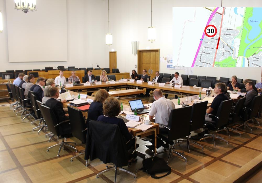 Der Planungsausschuss stimmte der Verkehrsberuhigung der Thiedestraße zu. Foto/Karte: Alexander Dontscheff/maps4news.com