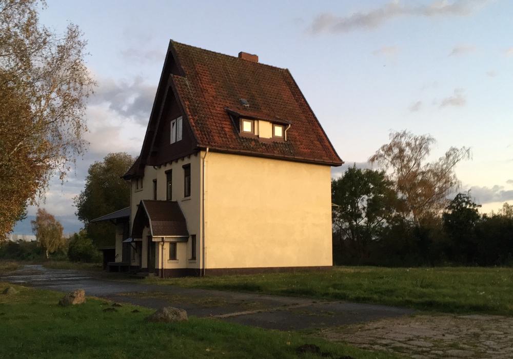 Auf dem Gelände des ehemaligen Bahnhofs Watenbüttel soll ein kleines Wohngebiet entstehen. Foto: Alexander Dontscheff