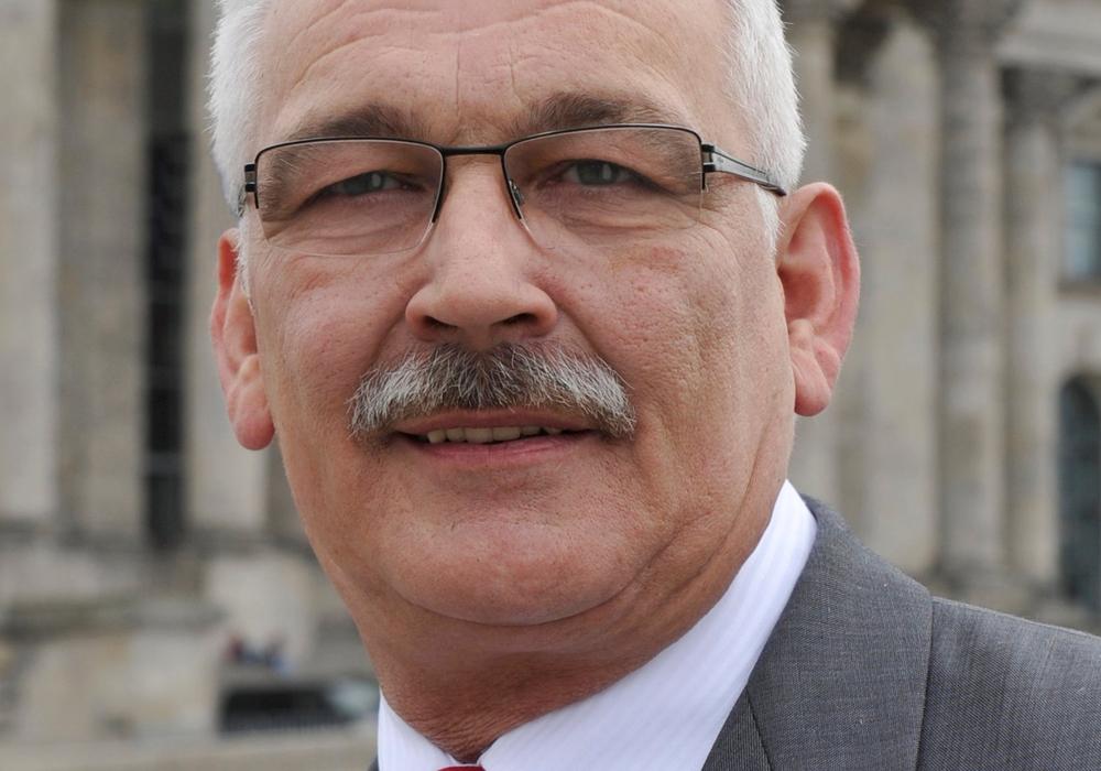 Dr. Wilhelm Priesmeier ruft zur Teilnahme am Deutschen Kita-Preis auf. Foto: Büro Priesmeier