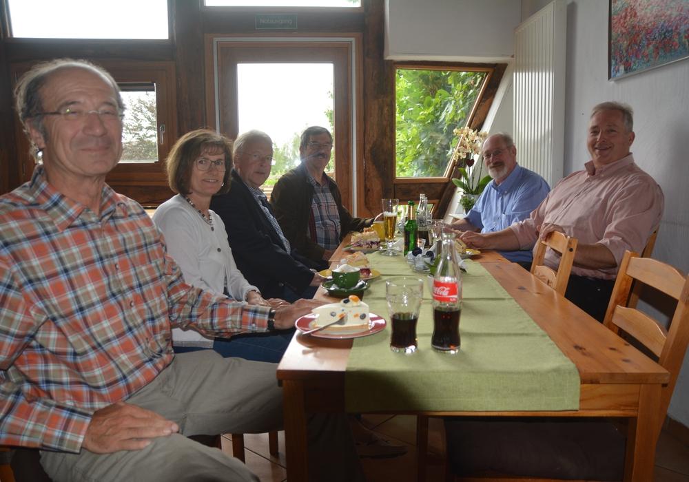 Arno und Edda Schmutzler, Michael Schwarze, Hans-Joachim Riebe, Volker Brandt und Frank Oesterhelweg, Foto: privat