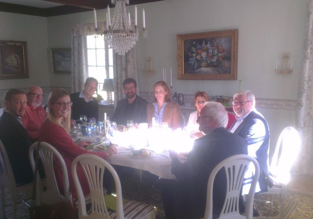 Gemeinsames Mittagessen von schwedischen und deutschen Lehrern und Gemeindemitgliedern. Foto: Privat