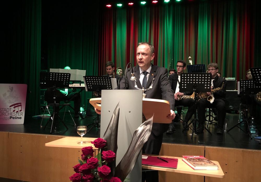 Auf dem Neujahrsempfang der Stadt Peine übte Bürgermeister Klaus Saemann harte Kritik an den Medien. Foto: Marc Angerstein