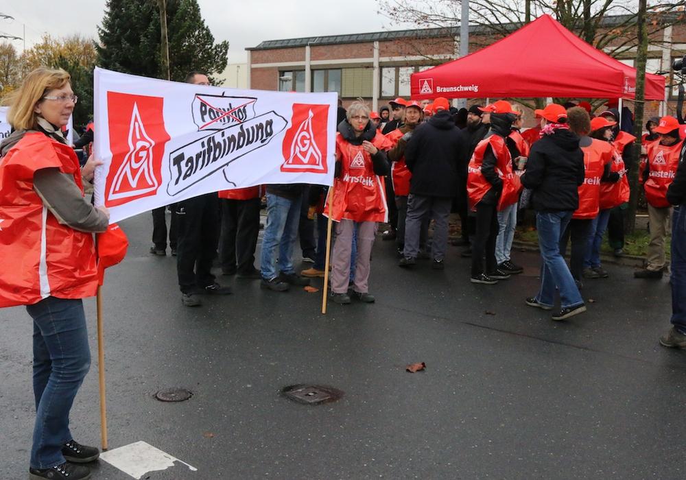 Warnstreik bei Ficosa Foto: Werner Heise