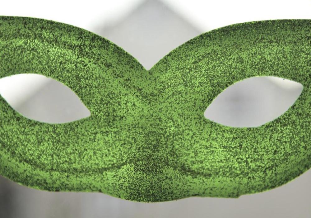 Grüne Masken spielen bei der geplanten Aktion eine große Rolle. Foto: Yvonne Salzmann
