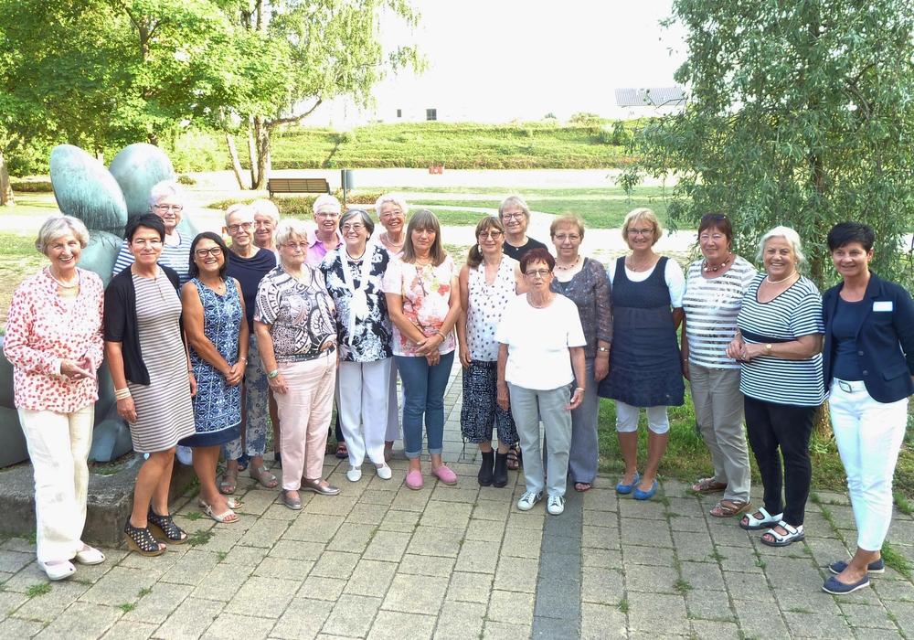 Zahlreiche Ehrenamtliche sind im Klinikum aktiv. Sie alle waren zum Dankeschön-Grillfest eingeladen. Foto: Städtisches Klinikum Wolfenbüttel