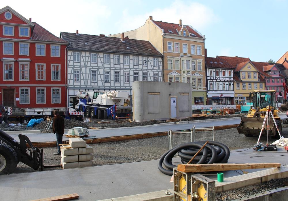 Auf dem Kornmarkt wurde nun das Toilettenhäusschen aufgestellt. Foto: Jan Borner