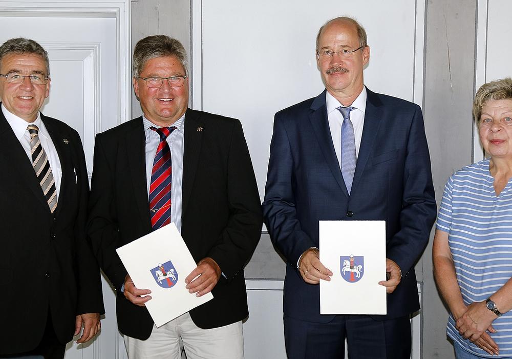 V. l.: Bürgermeister Thomas Pink, Norbert Kraftschik, Frank Greie und Doris Ahlke. Foto: Stadt Wolfenbüttel
