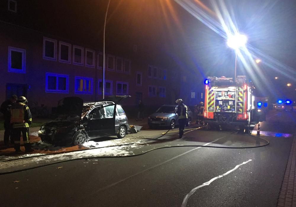 Im Oktober brannte in der Swindonstraße ein Hybridfahrzeug. Foto: Alexander Dontscheff