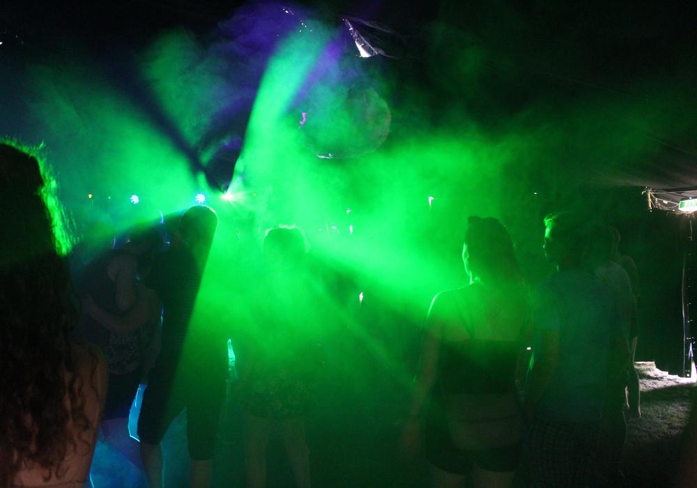 In der Mini-Disko leider nur alleine möglich - Mit der Mini-Tanzfläche soll auch eine Botschaft gesendet werden. (Symbolbild)