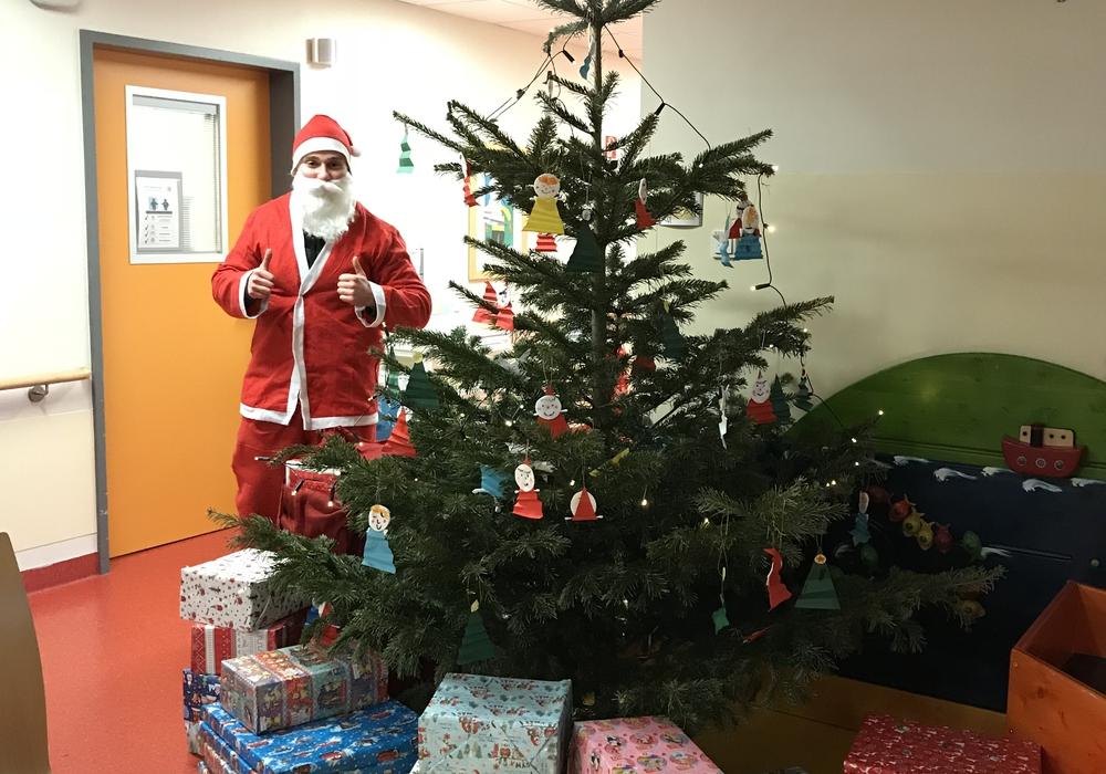 Geschenke für die Kleinsten im Krankenhaus. Fotos: Helios Klinikum Salzgitter GmbH